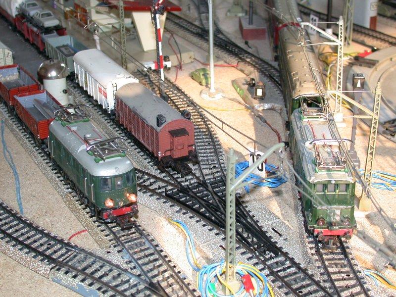 Märklin - E`Loks RS 800.2, SET 800, Guß- und Blech-Güterwagen der 300er Serie, Läutewerk 438