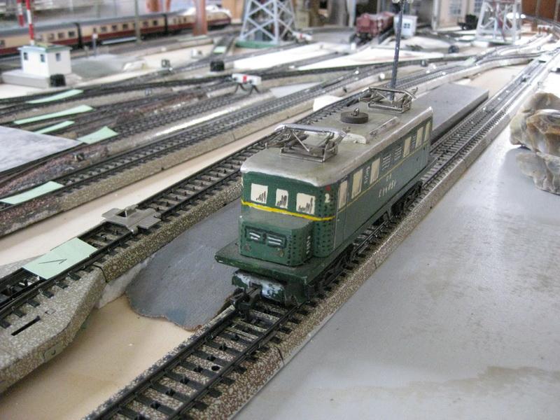 Eigenbau E 44 mit Holzgehäuse