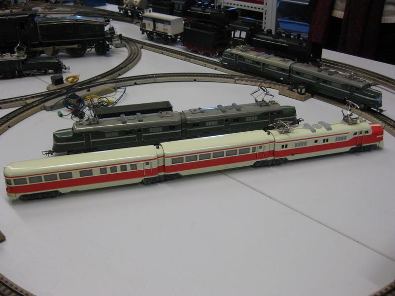 Märklin Schnelltriebwagenzug ST 800