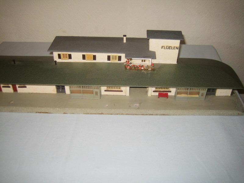 Faller Bahnhof Flüelen 111