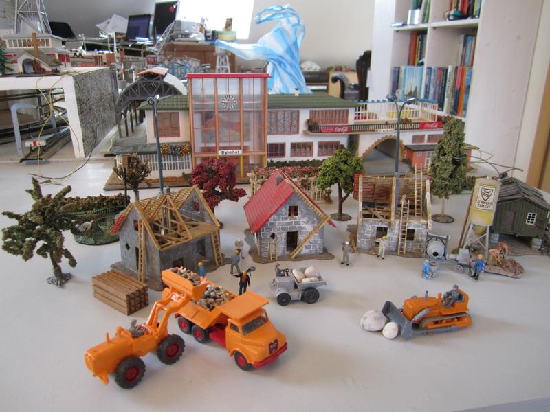 Faller Bausatz B-246, 2 Häuser im Bau