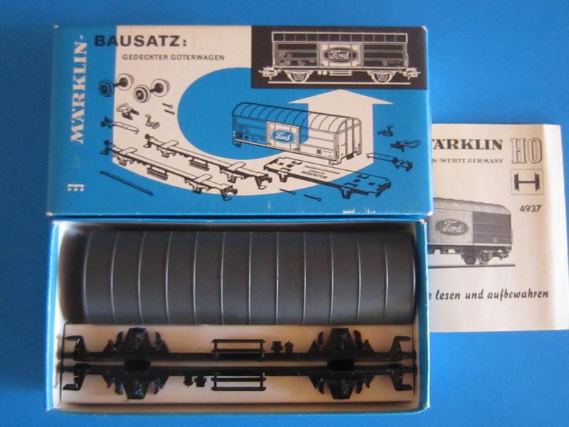"Märklin 4937 – Bausatz, gedeckter Güterwagen, ""Ford"""