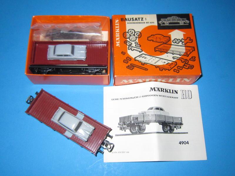 4904 – Bausatz, Niederbordwagen, beladen mit Pkw, 4504