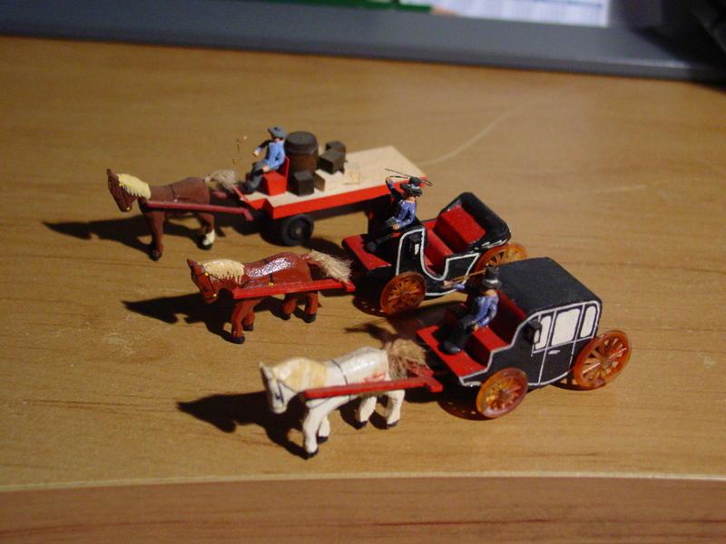 Preiser 470 Speditionsrolle mit Pferd, 471 offene Kutsche (471a), 476 Kutsche geschlossen (471b)