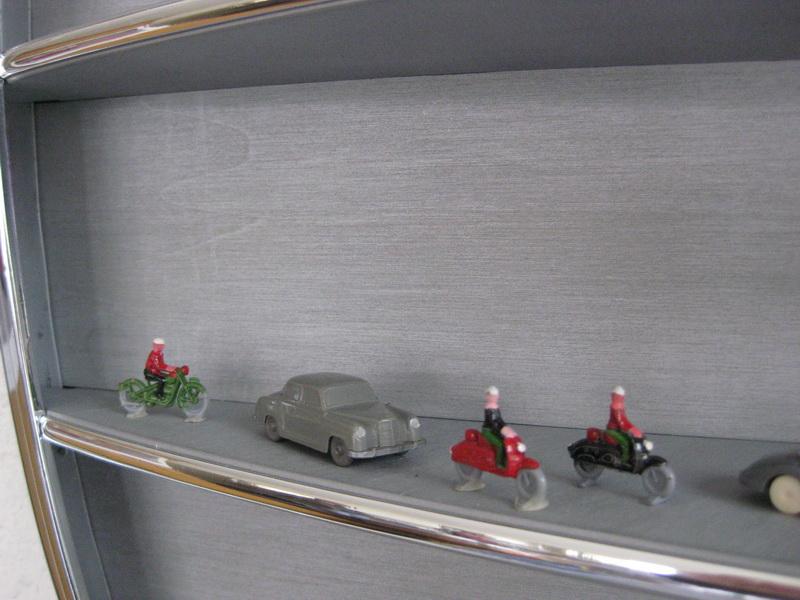 Repräsentationsvitrine für Automodelle