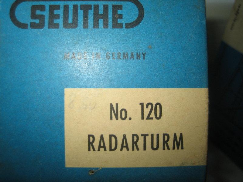 Firma Seuthe Radarturm No. 120 und Drehfunkfeuerturm No. 121