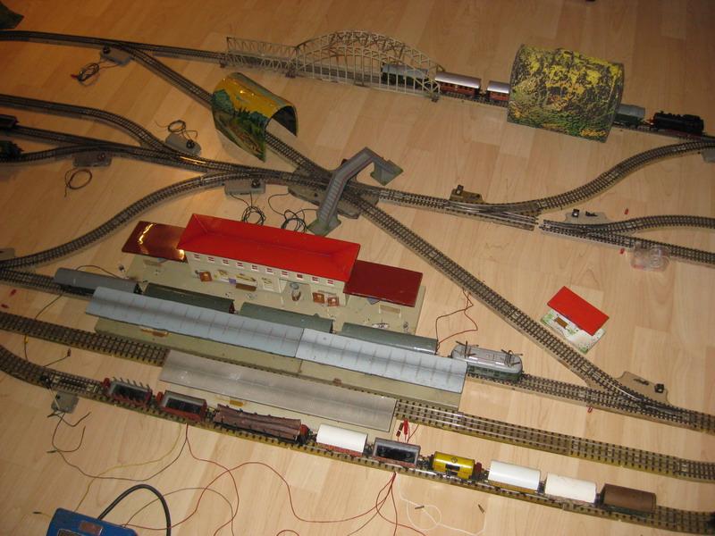 Alte Märklin Blech-Bahn 00
