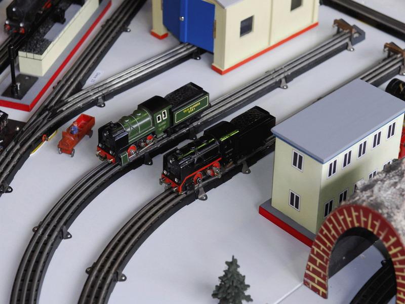 Trix Express Scheibenrad-Lokomotiven 20/51
