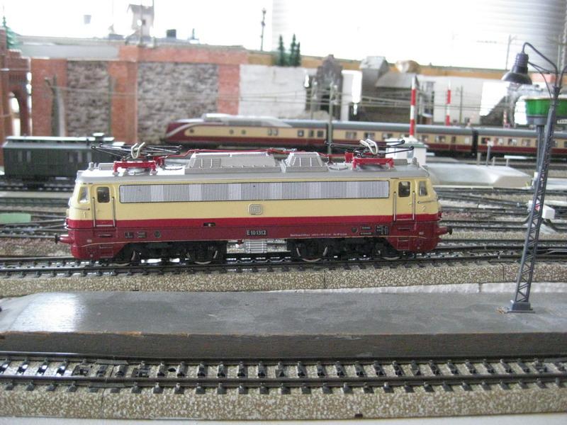 Umbau Fleischmann 1347 T auf Märklin