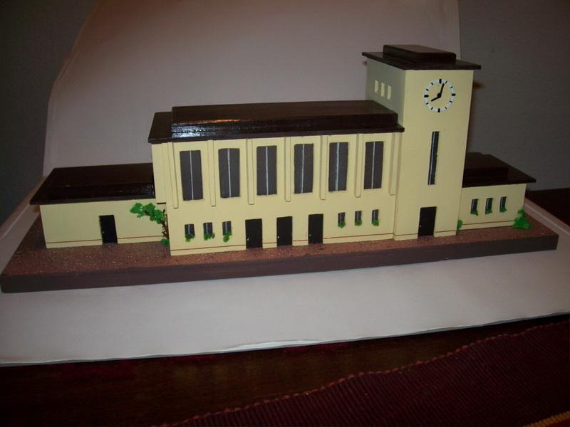 Nachbau Trix Bahnhof 20/322
