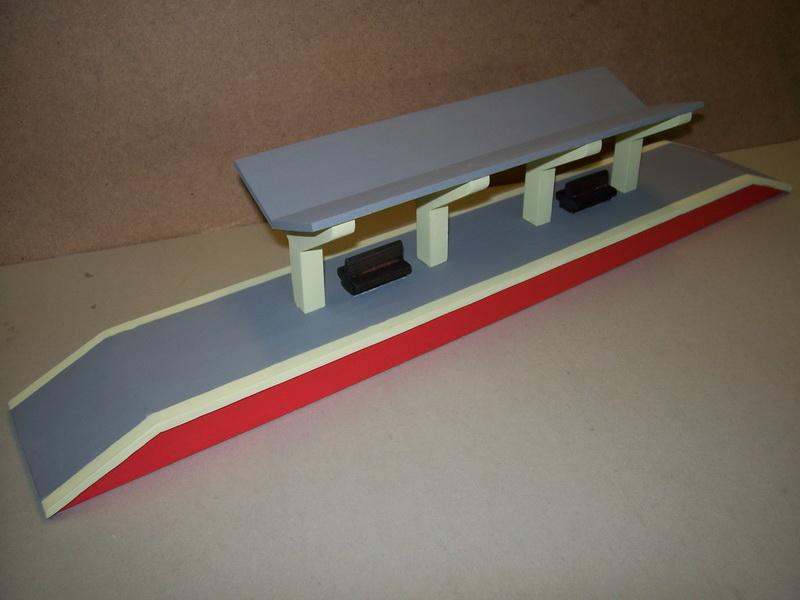 Nachbau Trix Bahnsteig, Trix 20/271